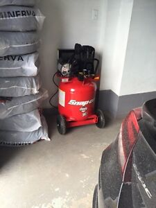 Compresseur d'air Snap-on 30 gallon 5 hp 125 psi