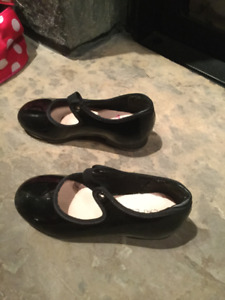 Capezio Tele Tone Tap Shoes Size 10M (children's)