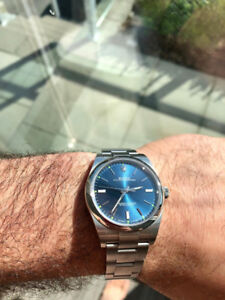 Rolex Oyster Perpetual 39mm mint condition