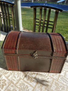Wood Treasure Toy Chest Asking $30.00