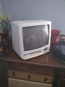 14 inch Analogue TV
