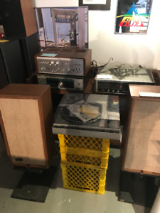 Lots of vintage stereo gear just in time for Xmas. Obsolete Reco
