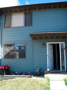 HINTON, AB - Carriage Lane Condo for Rent - $1,400