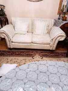 Sofa DE LUXE (514)502-0661