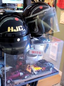 Motorcycle Helmets in HEARTBEAT Thrift Store/BayView Mall Belleville Belleville Area image 3