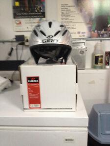 Giro Advantage 2-Helmet-Size small, mint condition! St. John's Newfoundland image 2