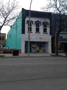 Downtown Sarnia ~ Charming 1 bedroom~ Great views~ Parking