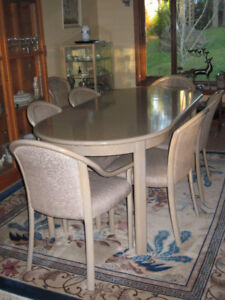 Trayler Dining Room Table Set