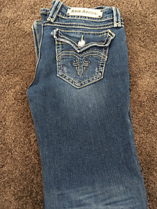 Rock Revival Ladies Jeans Debbie Cut Size 30