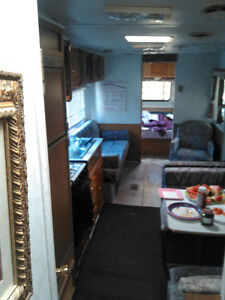 96 31ft Beachcomber Trailer + Add on Room