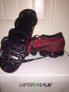 Nike Air VaporMax Flyknit Size 9.5