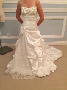 New Wedding Dress, Never altered, Never wore