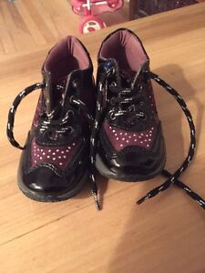 Toddler shoes size 22 West Island Greater Montréal image 2