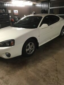 2008 Grand Prix Super Clean Low Mileage Sedan