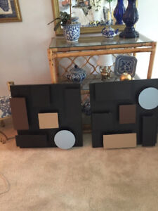 2 Pieces of Metal Wall Art