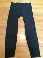 Lululemon Ebb to street pants - size 6