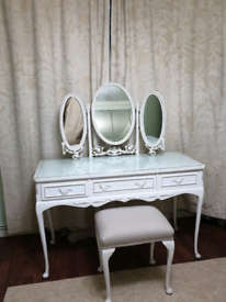 Vintage Dressing Table with Triple Mirrors & Drawers and a Dressing Ch