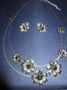 Ensemble de bijoux / Set of jewelry