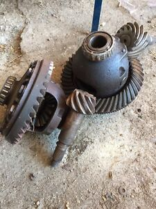 Loaded Dana 70 carriers and pinion