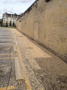 Supreme Mobile Power washing! Call for a free quote today. Kitchener / Waterloo Kitchener Area image 1