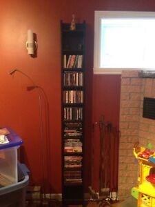 Bibliothèque étroite pour CD/DVD