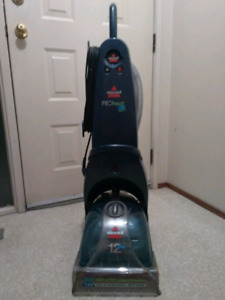 Bissell steam cleaner/ rug cleaner. Proheat 2X vacuum.