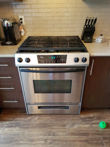 "30"" Stainless Whirlpool Gas Range"