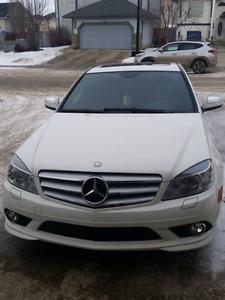 Well kept Mercedes C300 ***no trades***