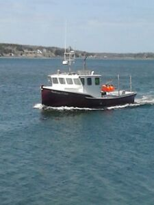 LOBSTER BOAT  32 X 12.5