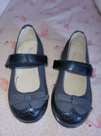 Mayoral baby girls shoes navy and red both size 22