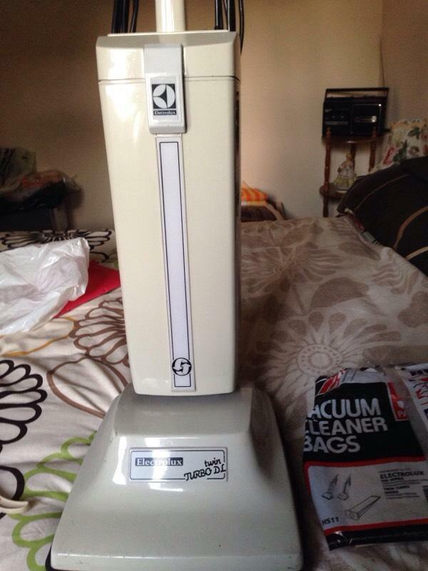Electrolux Twin Turbo Vacuum Cleaner In Burton Joyce