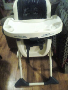 high chair no cloth threw it out months ago got tired of washing