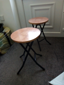 2 side tables / stools