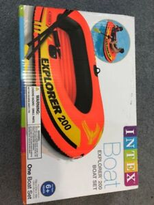 Unopened/Brand new INTEX inflatable boat set