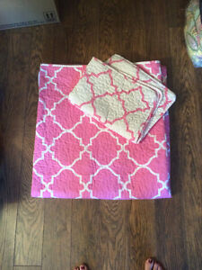 Quilted twin comforter
