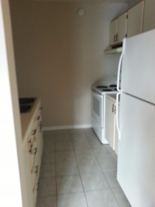 WALK TO OULTON/MCKENZIE COLLEGE 2 BDRM $750 ALL IN