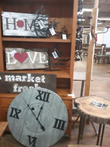 Canadian rustic decor, antiques, collectibles plus 1000 booths