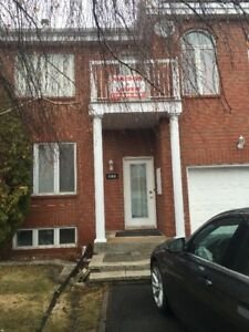 4 bedroom house for rent in Brossard