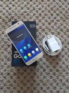 Samsung Galaxy S7 32 GB, unlocked w/box in excellent condition