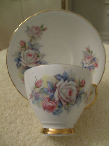 DAINTY OLD VINTAGE DELPHINE BONE CHINA CUP & SAUCER