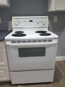 White Whirlpool Stove Good Condition