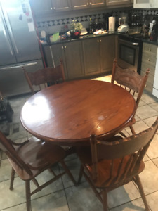 DINING TABLE WITH 5 CHAIRS $100 OR BEST OFFER OAKWOOD
