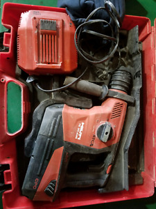 Selling hilti TE 36-A36 SDS hammer drill in good condition