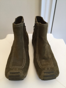 Privo by Clarks Waterproof Leather Ankle Boots, Women's Size 6 M