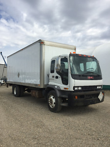 2007 GMC T7500 Van body