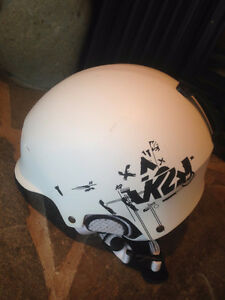 Snow board/ski helmet