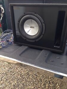 """8"""" Clarion subwoofer with vented box and amplifier"""