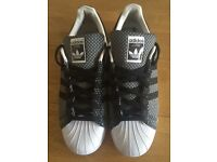Adidas superstar size 11