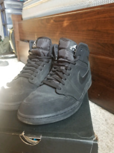 Air Jordan 1's all black Barely used 11.5