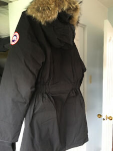 Canada goose, woman, M and XS